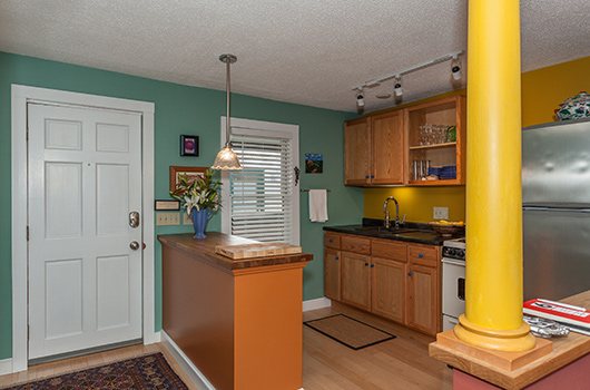 gourmet kitchen with all necessities at dubuque lane guest house